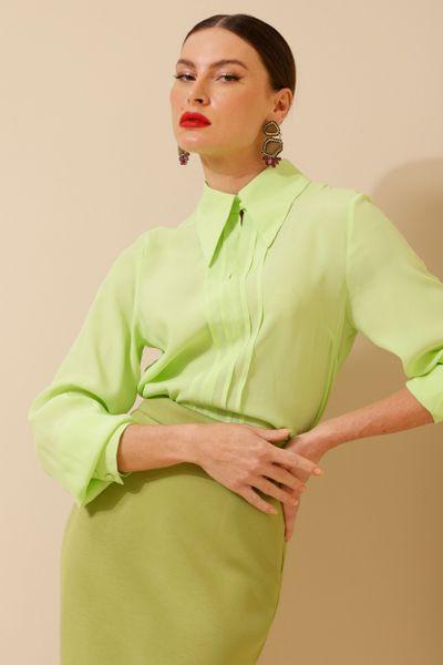 Camisa Viscose Pregas Super Gola Verde  36